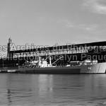 Un navire affecté au transport des troupes