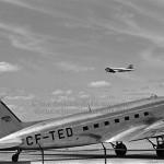 Des avions dans un aéroport de Montréal en 1943
