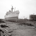 8-73 : Le Canadian Conqueror au chantier maritime de Sorel en 1947. Photographe Georges Beullac