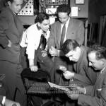 Le 25 septembre 1954, il est coanimateur pour un téléthon au Palais Montcalm (C'est la photographie que je lui ai remis. Il est assis avec le micro à la main)